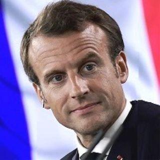 Macron finge di combattere l'islam illudendosi di renderlo democratico