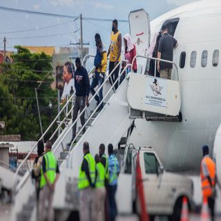 Haitian deportees arrive back in home country
