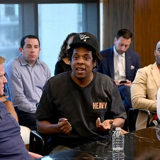 Episode 696  Jay Z Foils Kaepernick   Bernie v Media   Ben Shapiro v Hard Work   ADOS