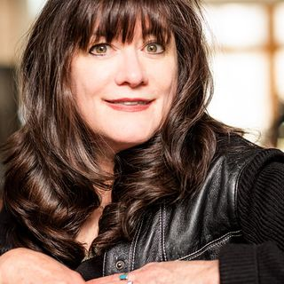 Award-Winning Author Holly George-Warren Rocks with The Legends of Music