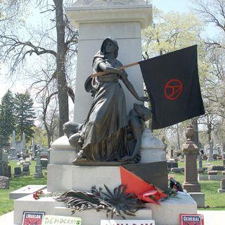 Un monumento ai martiri di Chicago