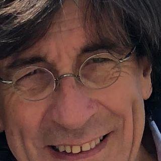 """Domenico De Felice, in """"Vicolo degli onesti"""", il Docufilm, in difesa della sanità pubblica."""