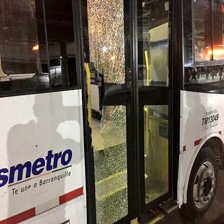 Buses de Transmetro fueron vandalizados
