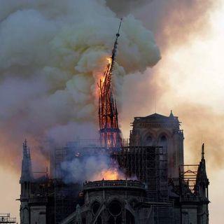 #sarnano La Cathédrale de Nôtre Dame en feu!