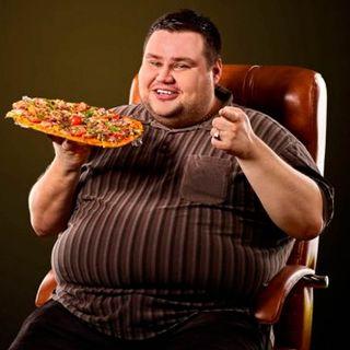 Mi pareja come mucho y me preocupa su salud