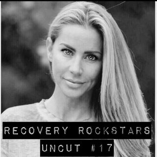 Episode 17- Recovery Rockstar Jessica shares her struggles with alcoholism