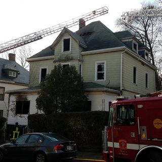 Man Jumps From 2nd Floor Of Burning Roxbury Home