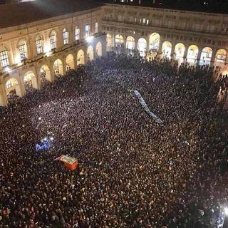 Sabato 14 dicembre le sardine protestano pacificamente a Londra contro l'estrema destra