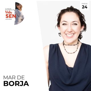 Mujer medicina con Mar de Borja