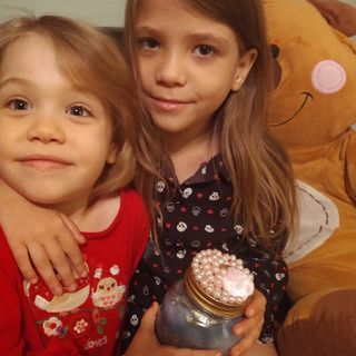 Ep. 25 Lizzie And Lilli Singing And Counting To 5 - The Princess Show, Children's Podcast.