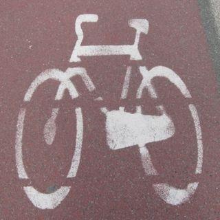 Guida breve al turismo in bici e mappe su smartphone