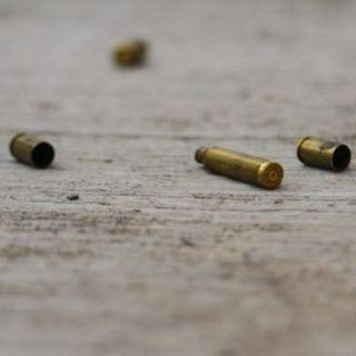 Cuatro heridos por disparos al aire