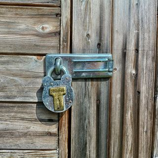 Does A Hammersmith Locksmith Need To Be Licensed?