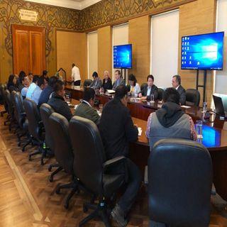 Integrantes de la CNTE se reúnen con autoridades
