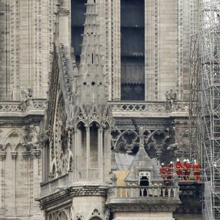París se inclina por la pista accidental en Notre Dame