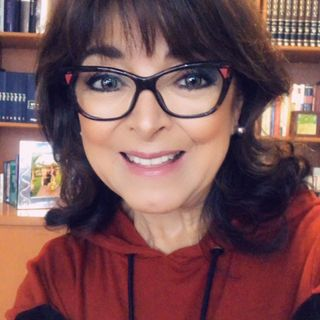 """Adriana Reinking, coach y observadora social con el tema: """"LGBT: Más allá de hombres y mujeres""""."""