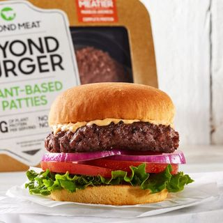 I Finally Tried The #BeyondBurger Plant Based Burger & #DanceWorkouts #MemorialDayHiking