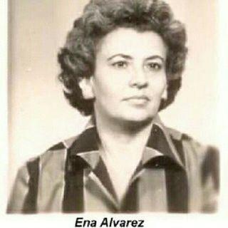 """Ena Alvarez; Por qué y cómo fue torturada directamente por el Che Guevara y Fidel Castro?"""". (Entrevista)."""