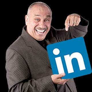 Why LinkedIn May Be the Best Social Media Platform to Help Build Your Crowd