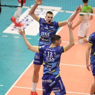 Podrascanin, Giannelli e Lorenzetti dopo il 3-1 a Piacenza in gara 2 dei quarti di finale Play Off