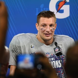 Rob Gronkowski's Agent Shares Tight End's Options Away From Patriots