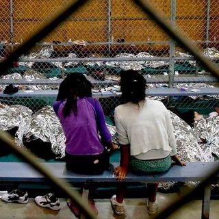 Las familias que lleguen a EU serán separadas