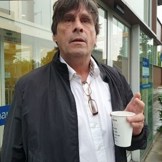 Steve Brown doet aangifte tegen AIVD Informant Bas van Hout , Peter R. de Vries en bepaalde corrupte media. (2)