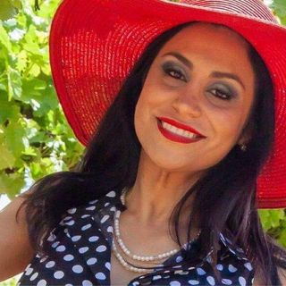 Actress and Writer Sparkle Soojian Interview