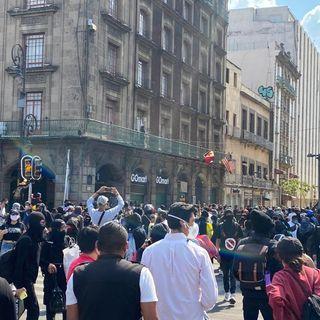 Anarquistas marchan al Zócalo capitalino