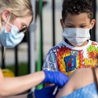 Vaccino: i giovani più  pragmatici dei nonni