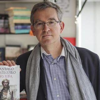 La empatía del escritor con Santiago Posteguillo