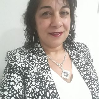 Poesía Amar la vida dedicada a María del Carmen Valle