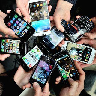 Conoscete i modelli di cellulare che ci fanno male? A seguire The Engine Room!