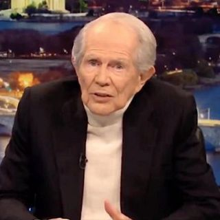 Ep. 1,001   Pranking an Assassin?   Pat Robertson is at it Again   Trump and Charlie Kirk   It's a Vibe