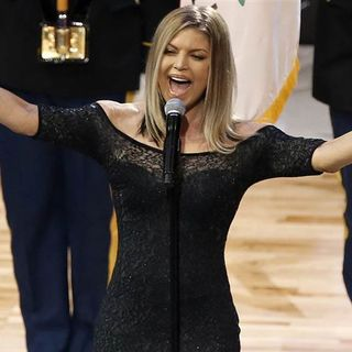 Fergie blows the Anthem