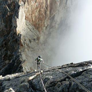 Classic on the rocks: Aiguille Noire de Peuterey, cresta Sud