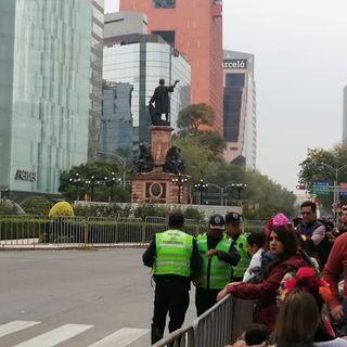 Cerrados carriles centrales de Reforma por Mega Desfile