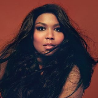 Lizzo Infuriated Lakers Fans So Much,Some Are Calling For A Lifetime Ban From The Staples Center. Let's Talk.