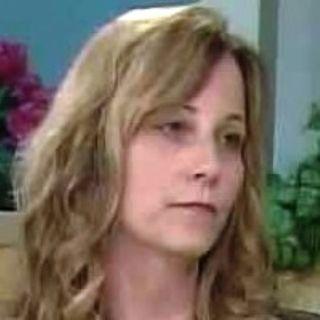 Il racconto choc di una donna cresciuta con il padre transessuale