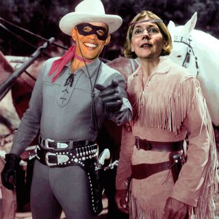 CWR#541 Elizabeth Warren Faces 'Political Destruction' Amid Rumors CFPB