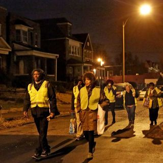 iHeart Jade w/ Pastor McCoy Walks the Streets at Night to Stop the Violence