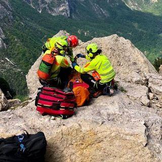 Grave infortunio sul Cornetto: in condizioni serie un alpinista precipitato per alcuni metri