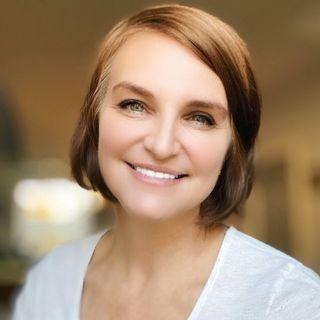 Photographer & Eloquent Entrepreneur, Linda Mackie
