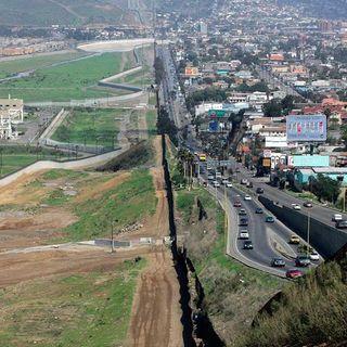 México y EU extienden un mes  más el cierre parcial de la frontera
