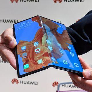 Il Futuro degli Smartphone? Pieghevoli o no? Samsung o Huawei?