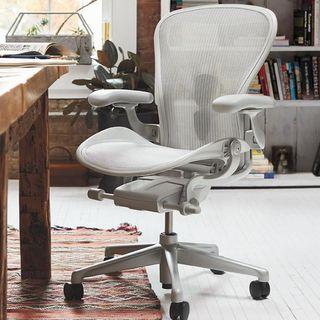 Devon Torrey of Herman Miller shares ways to improve #workingfromhome ~ @hermanmiller #workfromhome #workstation #ergonomic #workchair