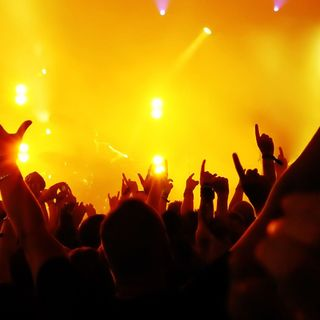 Veronize Radio #1 - EDM Live Mix