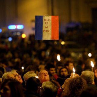 1 minute de silence pour Paris