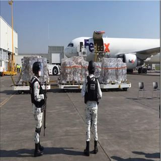 Llega primer avión con 211 ventiladores de EU
