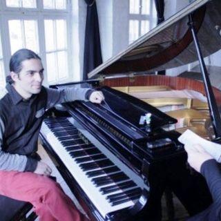 Fabio Tedde incanta con la sua musica e la sua storia . A creativity talk un'artista straordinario.